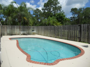 12335 165th Manatee pool