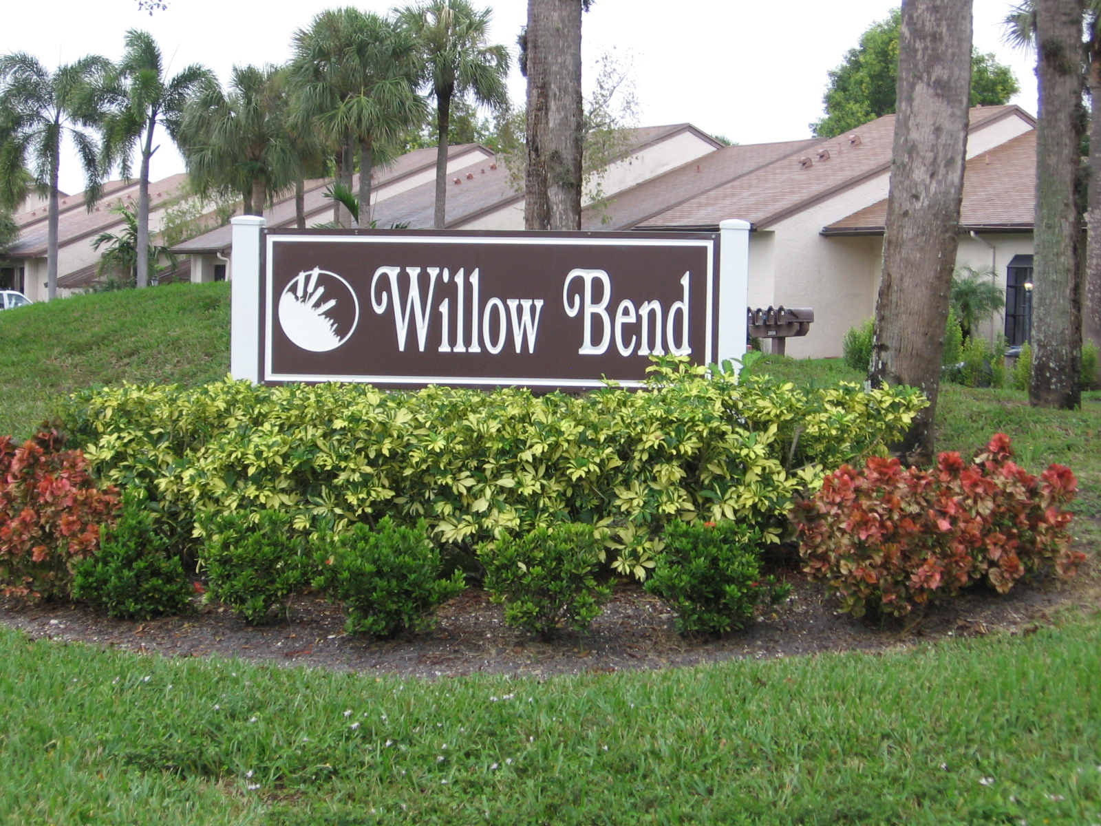 Even on a rainy day this community still shines—-Willow Bend | South  Florida Living